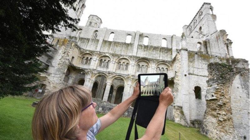 La réalité augmentée pour ressusciter le patrimoine normand