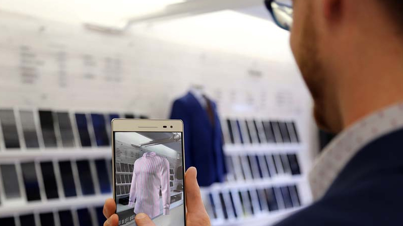 Surmesur: la réalité augmentée au service de l'habillement