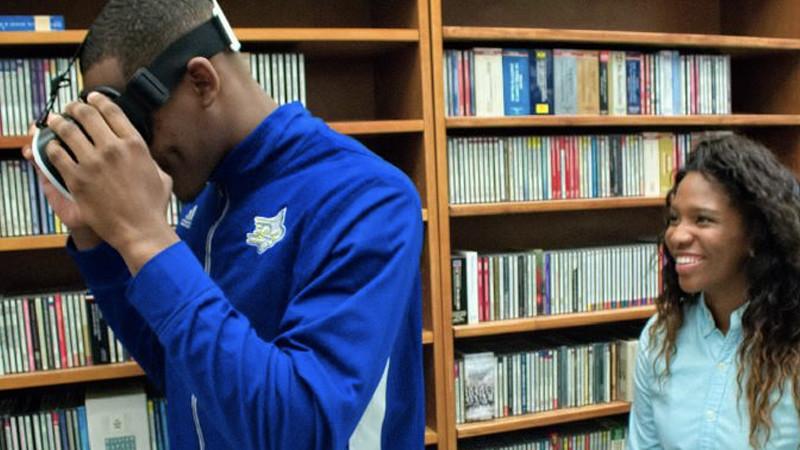 Des histoires en réalité virtuelle à la bibliothèque de San José