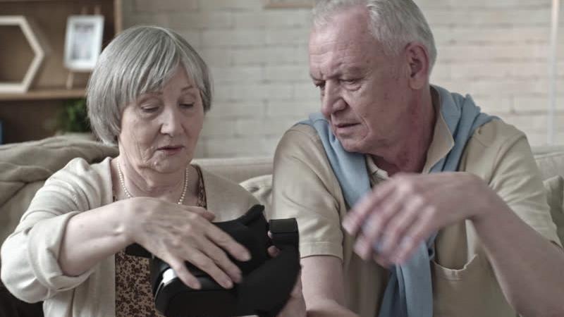 Comment la réalité virtuelle aide les seniors