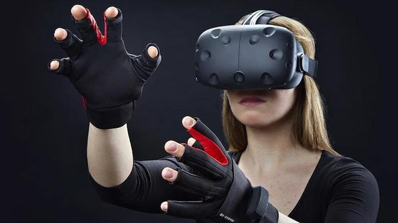 Des contrôleurs pour ressentir la douleur en VR !