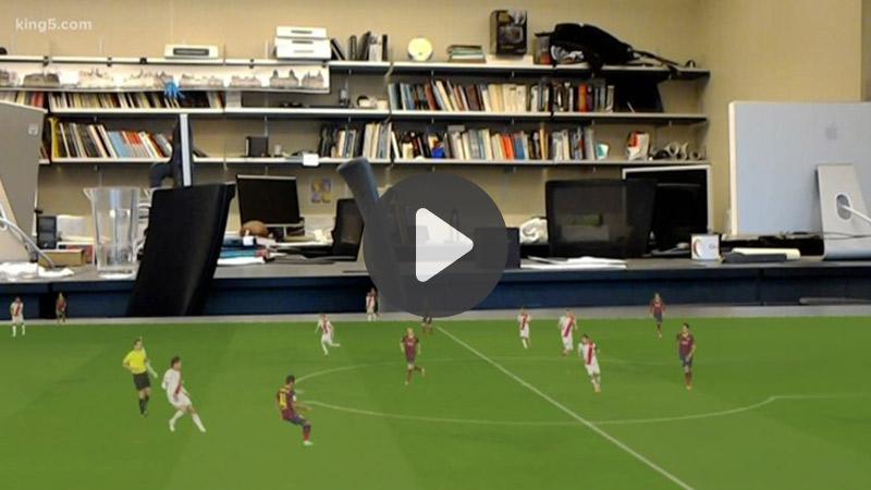 TOP 5 vidéos de la semaine : un match de football en AR…